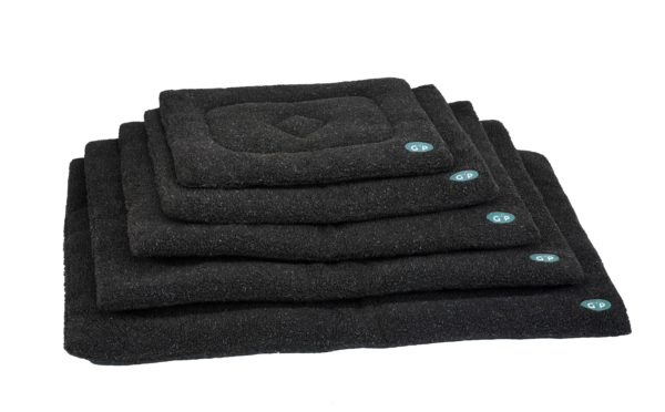 Product 1 GorPets Sherpa Black Set 1